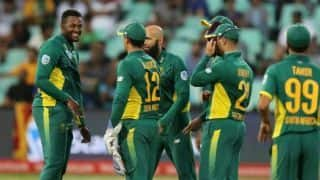 Australia vs South Africa, 1st ODI: Andile Phehlukwayo, Dale Steyn restricts Australia at 152; South Africa need 153 to win