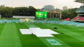 India vs Australia, 1st Test: Early morning rain delays start of day three