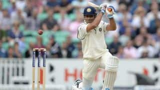MS Dhoni fights as India in tatters on Day 1 of 5th Test against England at The Oval