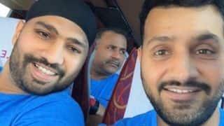 क्या रोहित शर्मा के बगल में बैठे इस क्रिकेटर को पहचान सकते हैं?