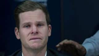 Twitteratti console tearful Steven Smith during ball-tampering press conference in Sydney