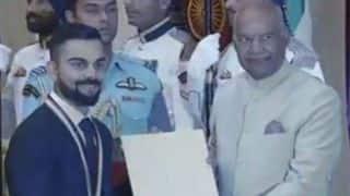 राष्ट्रपति रामनाथ कोविंद ने विराट कोहली को खेल रत्न से किया सम्मानित