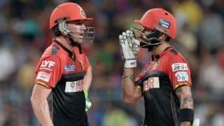 IPL 2018 : डिविलियर्स और कोहली के अर्धशतक से जीता बैंगलोर, दिल्ली को 5 विकेट से हराया
