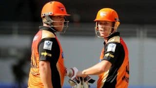 David Warner, Aaron Finch hold fort for Sunrisers Hyderabad against Mumbai Indians in IPL 2014