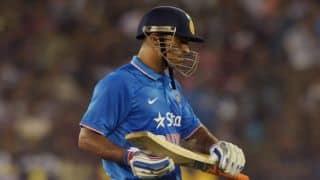 Zimbabwe keep MS Dhoni's last-ball heroics at bay to beat India by 2 runs in 1st T20I at Harare