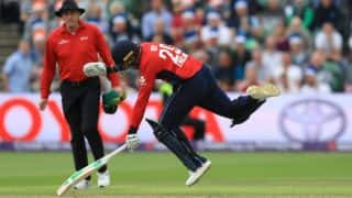 Watch Jason Roy's bizarre dismissal; Chris Morris has no qualms over appealing