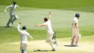 Australia crush England; 1 win away from regaining the urn