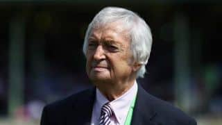 Richie Benaud's family declines Tony Abbot's offer of a state funeral