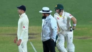 Video: Aleem Dar trumps Smith, Anderson; steals show in legends' summit