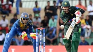 Mohammad Hafeez dismissed for 17 by Thisara Perera against Sri Lanka in Colombo