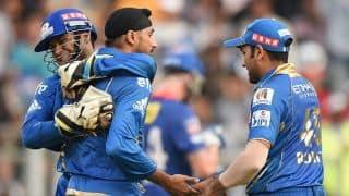 Harbhajan singh's double-strike deflates Chennai