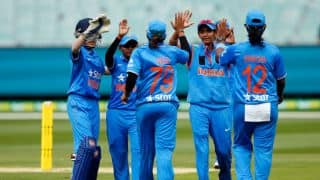 BCCI to give 50 lakh rupees to women cricketers for entering World Cup 2017 final