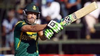 Du Plessis' ton propells SA to 271